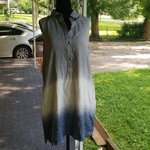 Tunic sleeveless top w/ pockets size medium